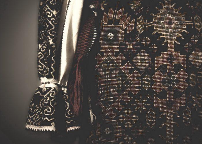DRAGAICA ROSIE_costum traditional vechi_intro_54